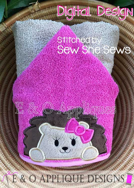 Hedgehog Girl Peeker Applique Design