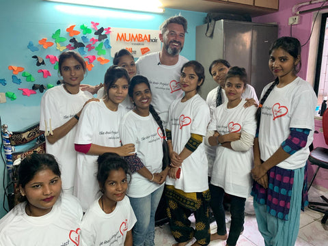 Zac Fernell with the Mumbai Hair Project Students