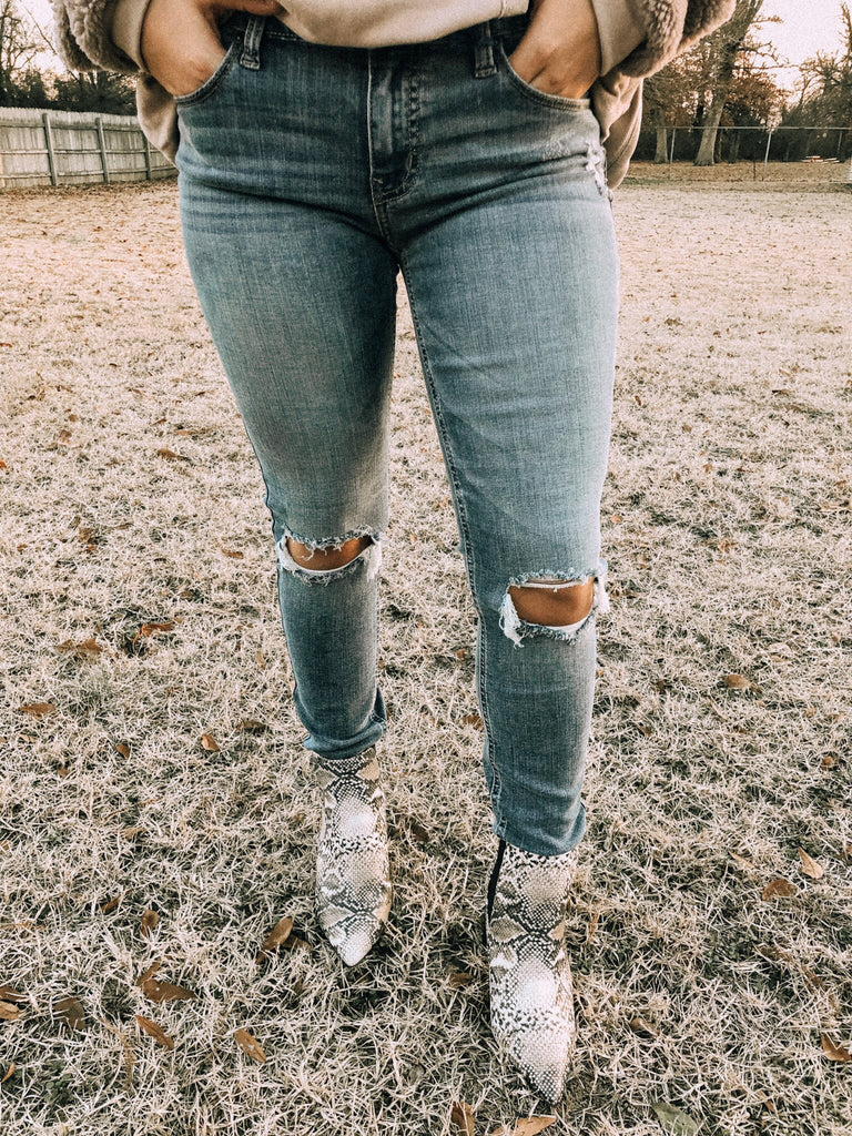 Livi Distressed Denim Jeans