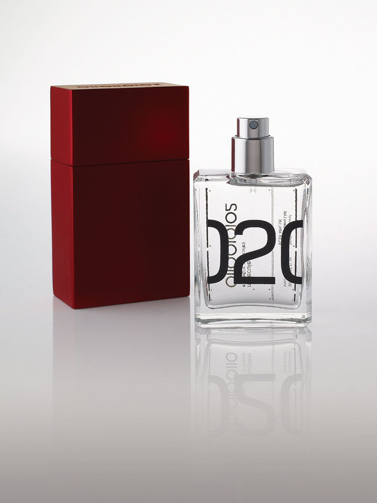 Escentric Molecules Molecule 02 Travel Scent