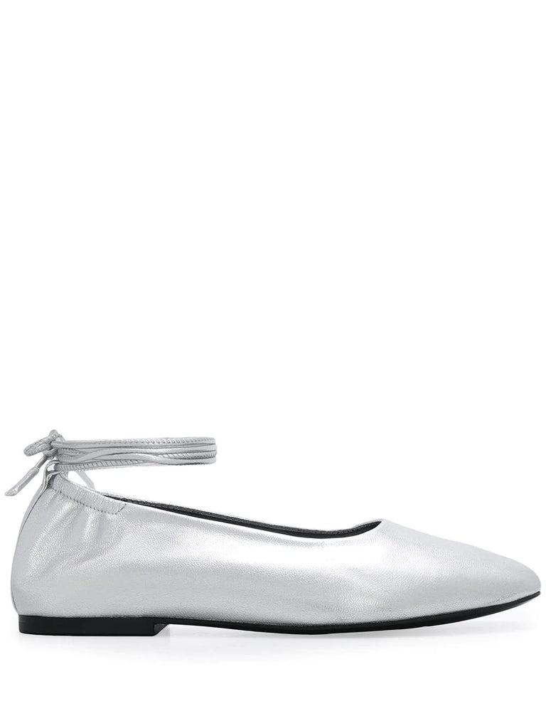 Dorateymur Silver Pumps