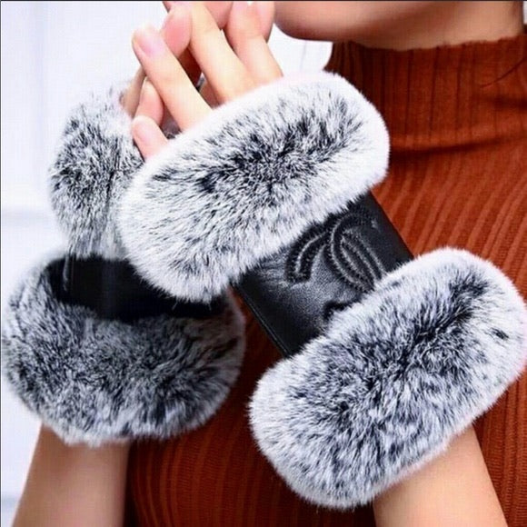 Black and Gray Finger less Gloves