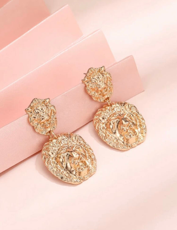 Charm Lion Drop Earring