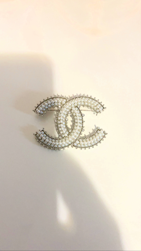 Pearl On Me Silver  Brooch