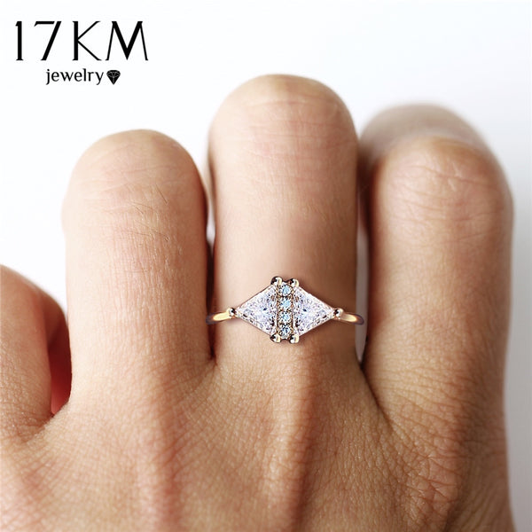 17KM Fashion Rose Gold Cubic Zirconia Engagement Rings For Women Triangle Romantic Crystal Statement Charm Ring Female Jewelry