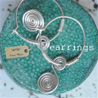 Earrings (T)
