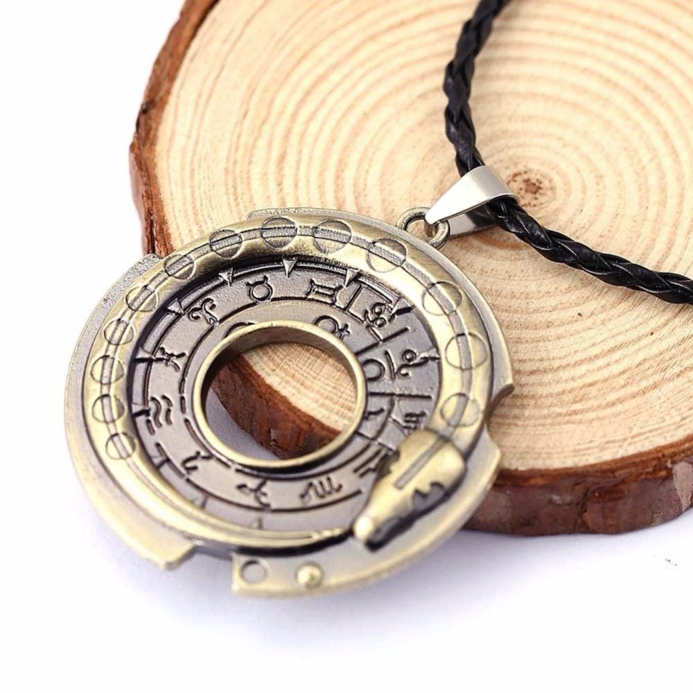 Fashion Snake Rune Round Rope Leather Necklaces & Pendants