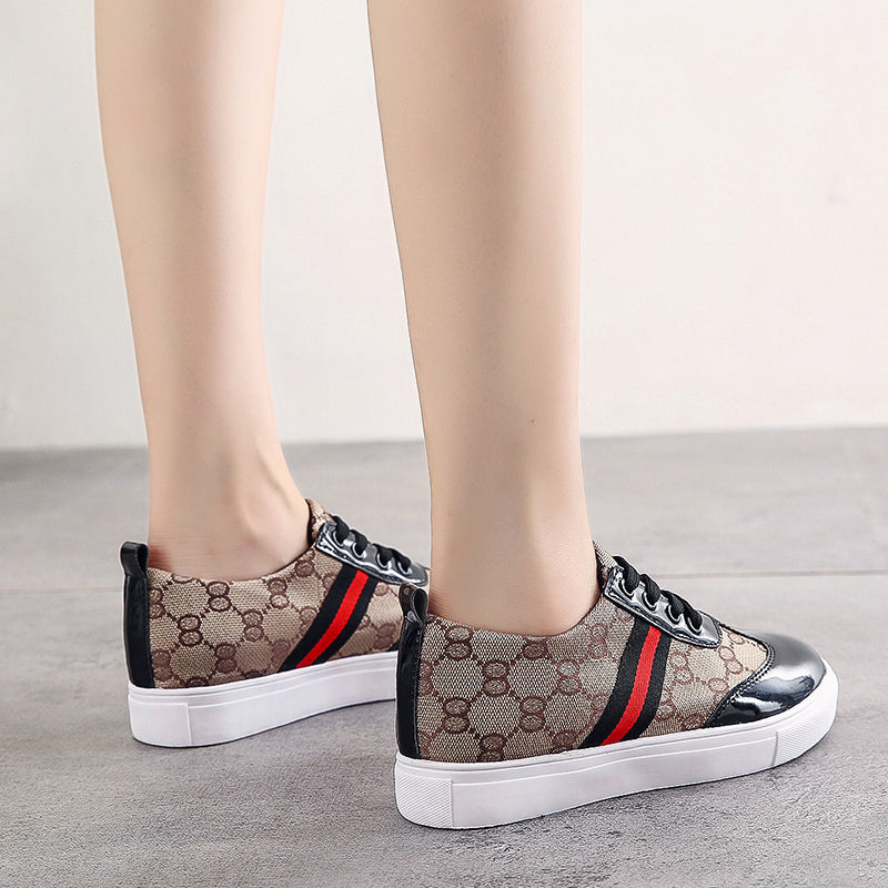 Women Casual Shoes Comfortable Flat Bottom Lace-up Sneakers
