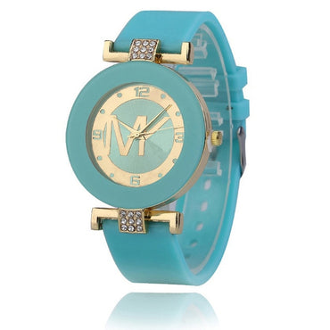 New Ladies Fashion Casual Quartz Watch Women Crystal Silicone Digital Watch