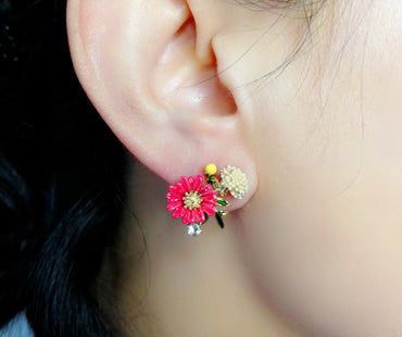 New Simple Petals Earrings Personalities Fashionable Metal Flowers Lady