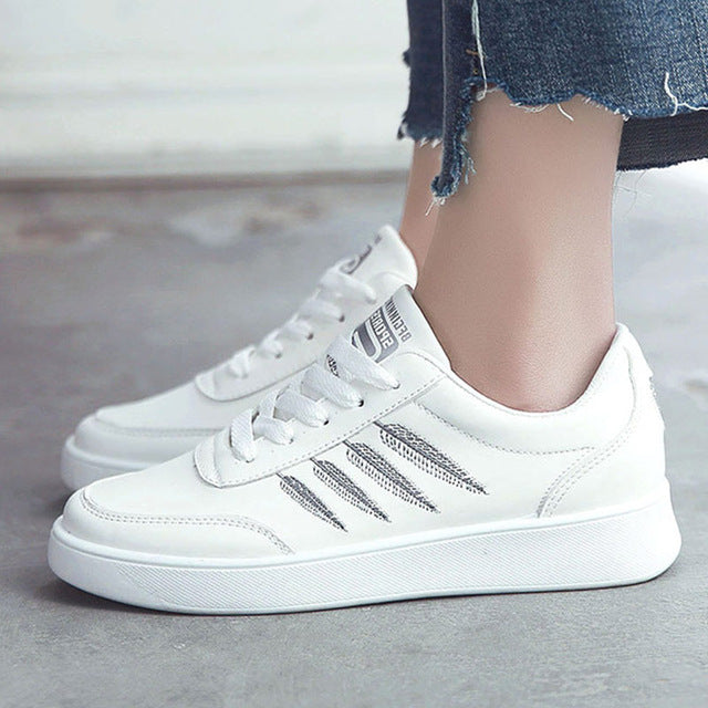 Sewing shallow sneakers