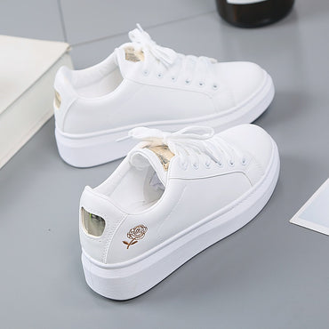 Hot Fashion Embroidered Breathable Flower Lace-Up Women Sneakers