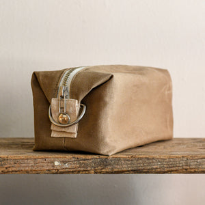 waxed canvas cotton dopp kit in moss green