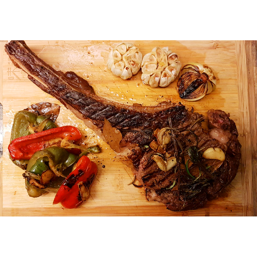 Julkitchen Tomahawk Steak