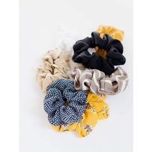 Load image into Gallery viewer, Cecile Scrunchie