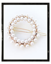 Load image into Gallery viewer, Pearl Round Hair clip