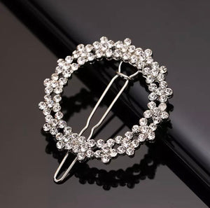 Diamanté Round Hair Clip