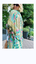 Load image into Gallery viewer, ALL THE FLOWERS - KIMONO