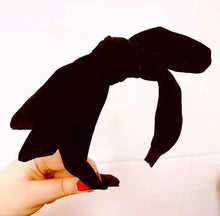 Load image into Gallery viewer, Velvet Bow Hairband - Black