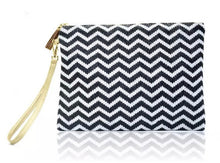 Load image into Gallery viewer, Woven Clutch - Black/White