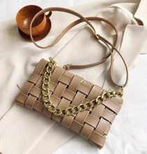 Load image into Gallery viewer, Weave Bag - Caramel