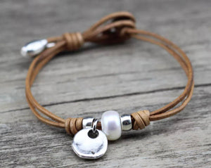 Leather / Pearl Bracelet - Brown