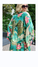 Load image into Gallery viewer, MOON ANGEL - KIMONO