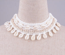 Load image into Gallery viewer, Shell Crochet Necklace - Off White