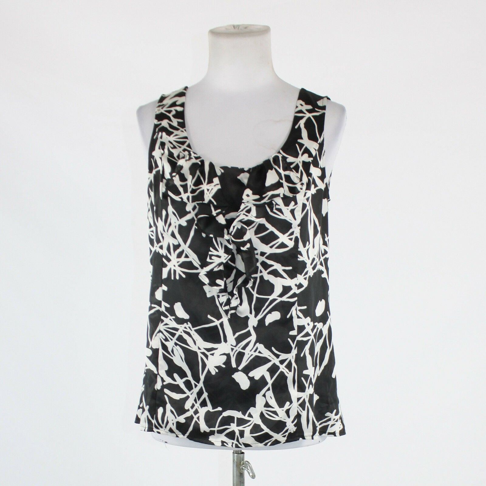 Black white floral ANN TAYLOR LOFT sleeveless scoop neck blouse PM