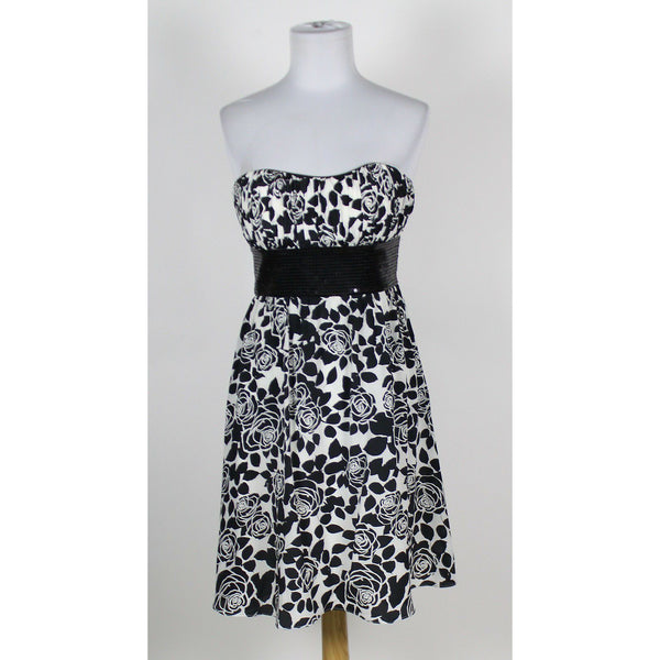 WHITE HOUSE BLACK MARKET white black floral silk sweetheart sequin trim dress 2-Newish