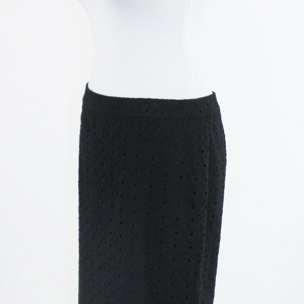 Black eyelet ANN TAYLOR LOFT straight skirt 6