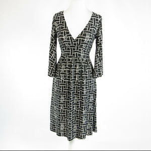 Black white geometric BCBG MAX AZRIA stretch bell sleeve A-line dress XS