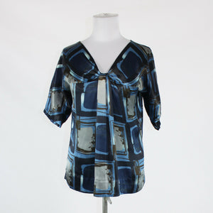 Blue gray geometric NEW YORK and COMPANY short sleeve V-neck satin blouse XS