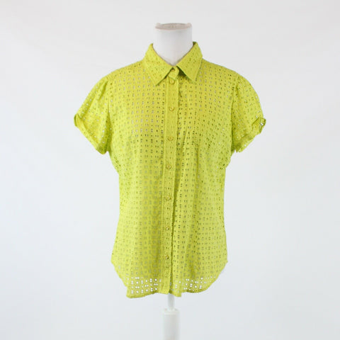 Bright green eyelet NEW YORK and COMPANY short sleeve button down blouse L