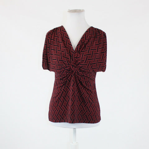 Black red geometric NEW YORK and COMPANY short sleeve knotted chest blouse S