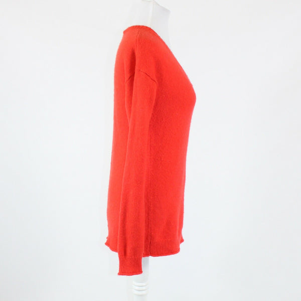 Bright orange GAP long sleeve V-neck ribbed trim sweater M