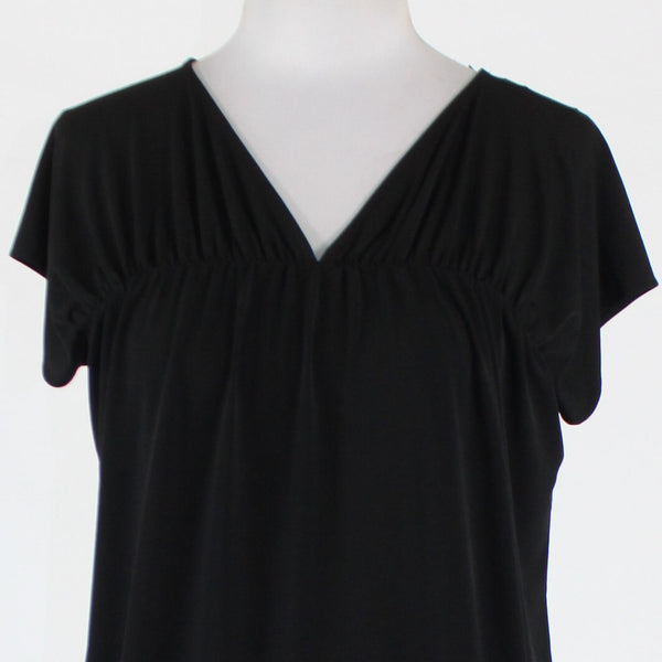 Black NEW YORK and COMPANY short sleeve V-neck stretch blouse XS