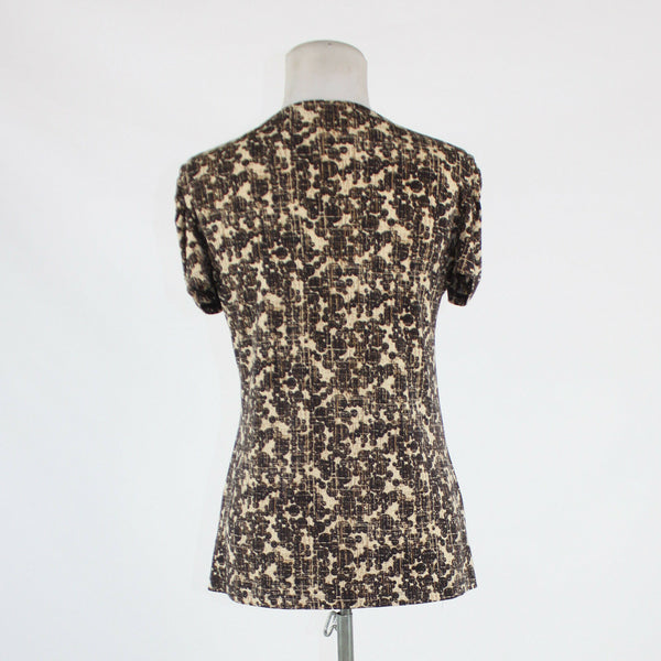 Beige dark brown geometric NEW YORK and COMPANY short sleeve V-neck blouse S
