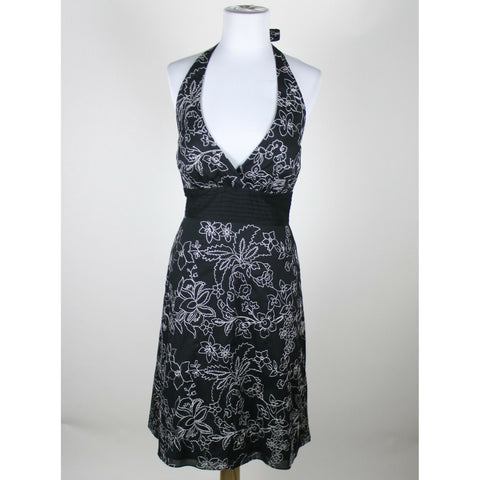 WHITE HOUSE BLACK MARKET black & white floral embroidered 100% cotton dress 0-Newish