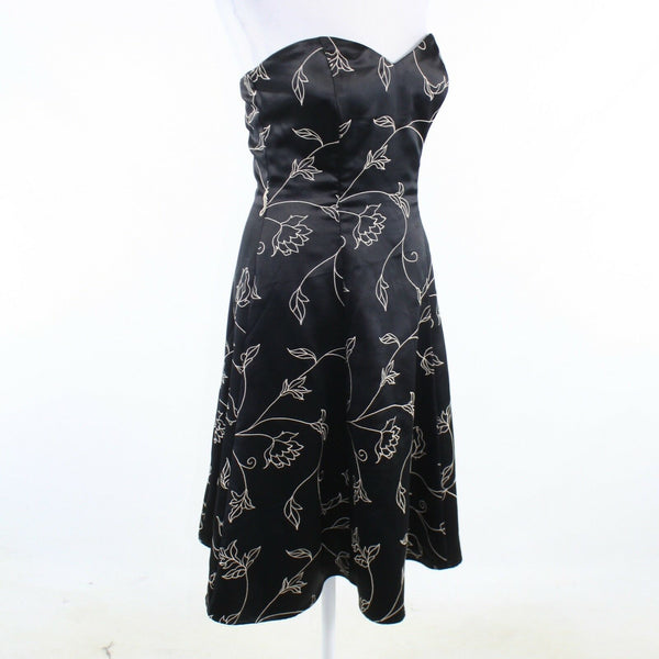 Black ivory floral embroidered WHITE HOUSE BLACK MARKET strapless A-line dress 6-Newish