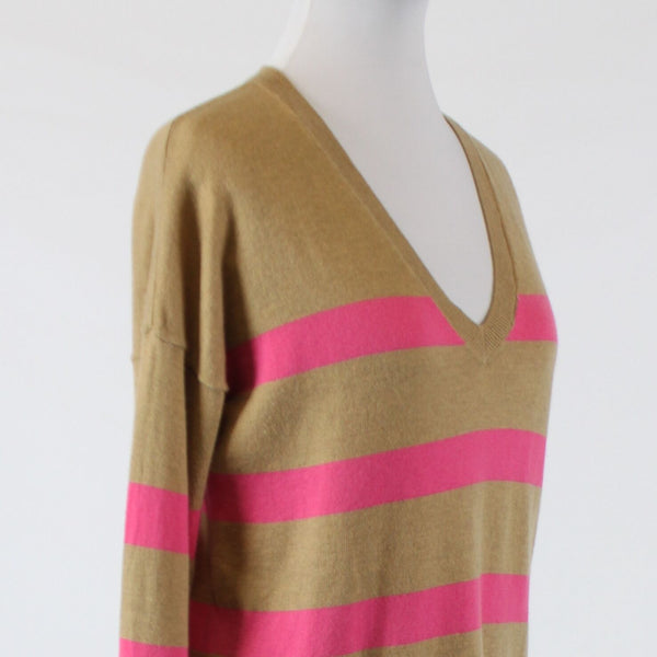 Beige pink striped GAP thin knit 3/4 sleeve V-neck ribbed trim sweater XS