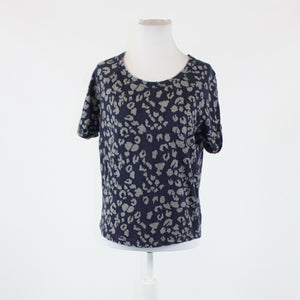 Navy blue gray cheetah french terry GAP short sleeve scoop neck blouse XS