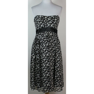 WHITE HOUSE BLACK MARKET black & white rose floral print sweetheart neck dress 4-Newish