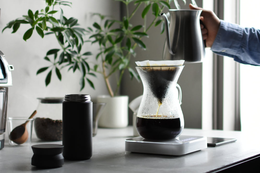 TRAVEL tumbler, SLOW COFFEE STYLE CARAFE and POUR OVER KETTLE to make coffee