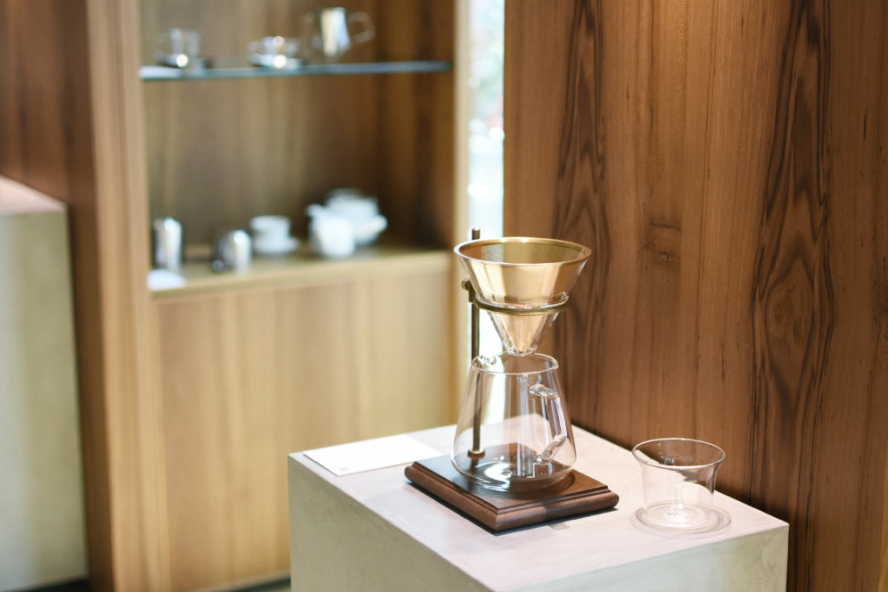 SLOW COFFEE STYLE SPECIALTY brewer on display