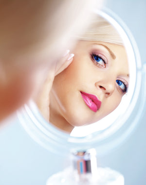 The Best Vanity Mirrors for Flawless Foundation