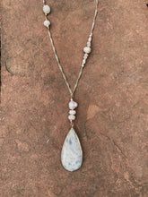 Load image into Gallery viewer, Moonstone Pearl Necklace