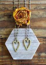 Load image into Gallery viewer, Heart Deco Necklace
