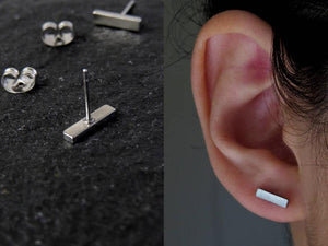 Brushed Bar Stud Earring