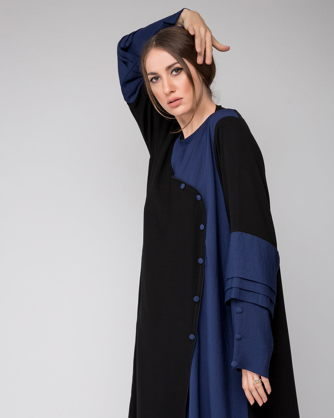 Closed Abaya with buttons